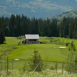 Golfer-Ausblick vom Tee 2 auf die Fairways 5, 6 und 8